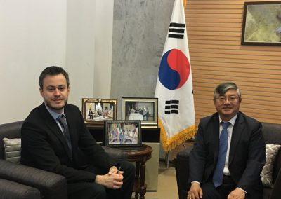 South Korea's Ambassador to Kuwait Yoo Yeonchul and GSA CEO Giorgio Cafiero